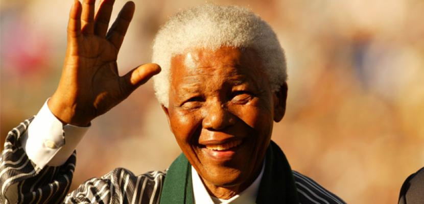 مانديلا يتواصل.. بالإشارات فقط
