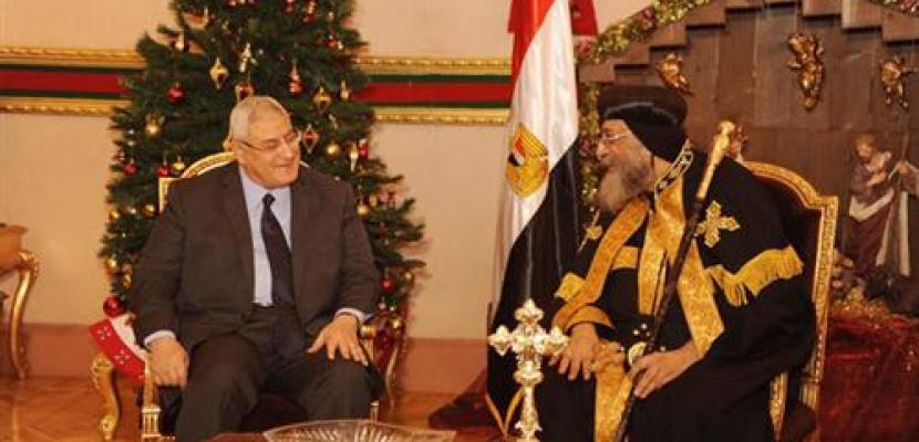 الرئيس منصور يزور الكاتدرائية المرقسية لتهنئة البابا بعيد الميلاد
