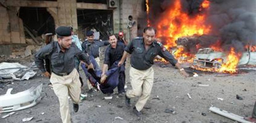 إصابة 6 من أفراد الشرطة الباكستانية إثر انفجار قنبلة بباكستان