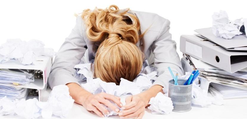 علماء بريطانيون يكتشفون الجين المسئول عن التقلبات المزاجية لدى النساء