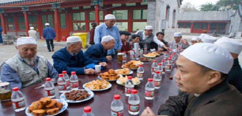 الصين تفرض قيود صارمة على صائمى رمضان في اقليم شينج يانج