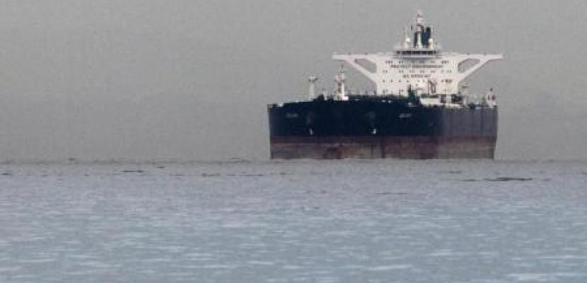ثلاثة في عداد المفقودين بعد انفجار على ناقلة نفط في ميناء روسي