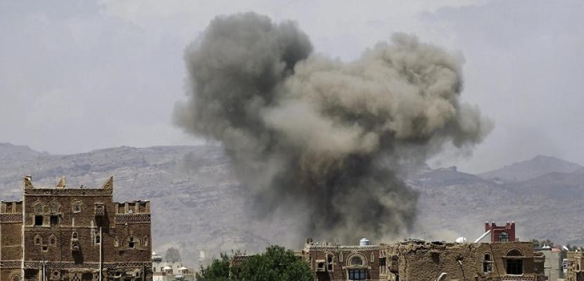 مقاتلات التحالف العربي تدمر مخزن سلاح تابعا لميليشيات الحوثي في الحديدة