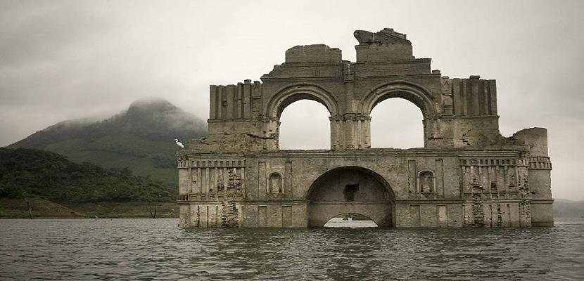 شاهد كنيسة مكسيكية .. في عرض البحر