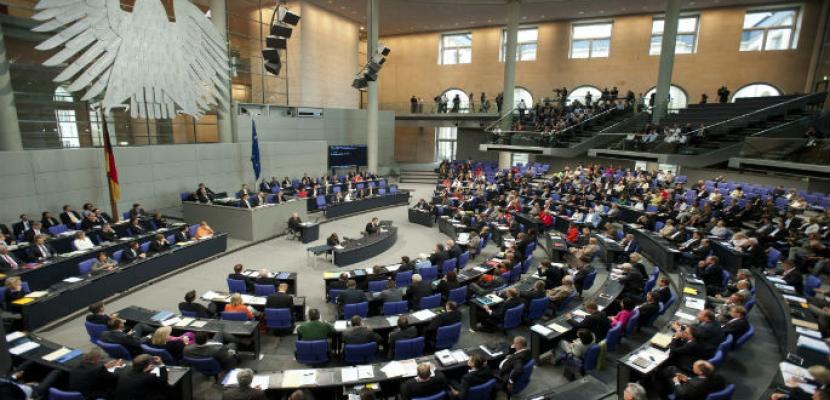 البرلمان الألماني يصادق على قانون تشديد اللجوء