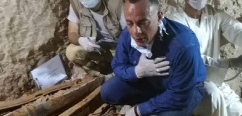 """البعثة المصرية تكتشف 350 تمثالا جديدا بمقبرة """"المستشار أوسرحات"""" بالأقصر"""