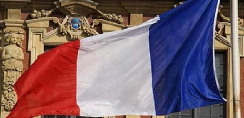 مرشحان للرئاسة الفرنسية يلغيان حملتهما اليوم