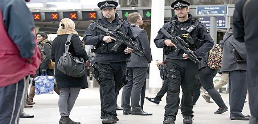 الشرطة البريطانية تفحص طردا مريبا بالبرلمان