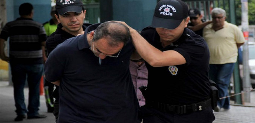 تركيا تستهدف صحفيين معارضين للاشتباه بصلتهم بمحاولة الانقلاب