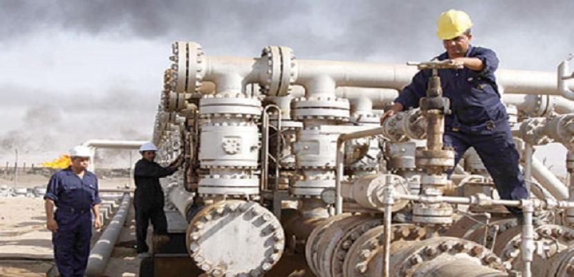 انخفاض أسعار النفط نتيجة زيادة مفاجئة للمخزونات الأمريكية