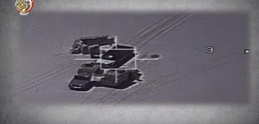 بالفيديو- الجيش: تدمير 15 سيارة محملة بالأسلحة والمواد المتفجرة قبل اختراق الحدود الغربية