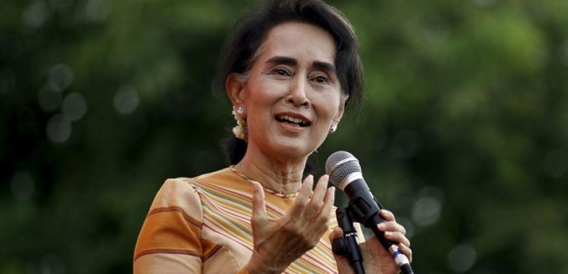 الاتحاد الأوروبي يعلن إجراء محادثات مشجعة مع الزعيمة البورمية حول الروهينجا