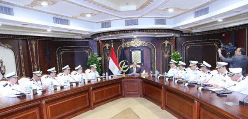 وزير الداخلية: نواجه الإرهاب فى سيناء برؤية استباقية ونحدث الخطط الأمنية