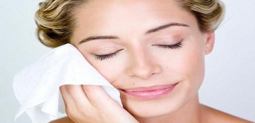 5 أسباب غامضة قد تملأ بشرتكِ بالبثور