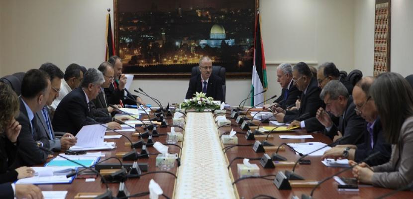 مجلس الوزراء الفلسطيني يؤكد موقف أبومازن الرافض لما يسمى صفقة القرن