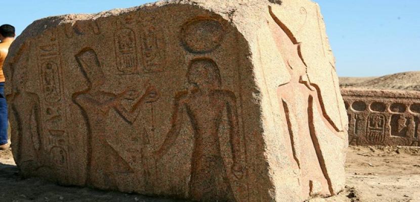 بالصور.. العثور على لوحة أثرية للملك رمسيس الثاني بمنطقة صان الحجر بالشرقية