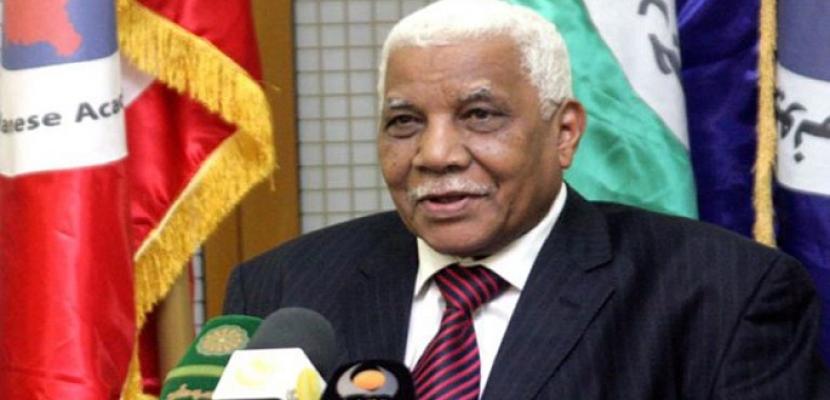 وزير الإعلام السوداني: زيارة البشير لمصر أسست لمرحلة جديدة من العلاقات