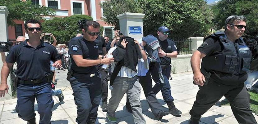 تركيا تأمر بالقبض على 100 من العسكريين يشتبه في صلتهم بجولن