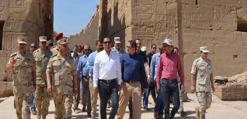 وزير الآثار يتفقد عددا من المواقع الأثرية بالأقصر