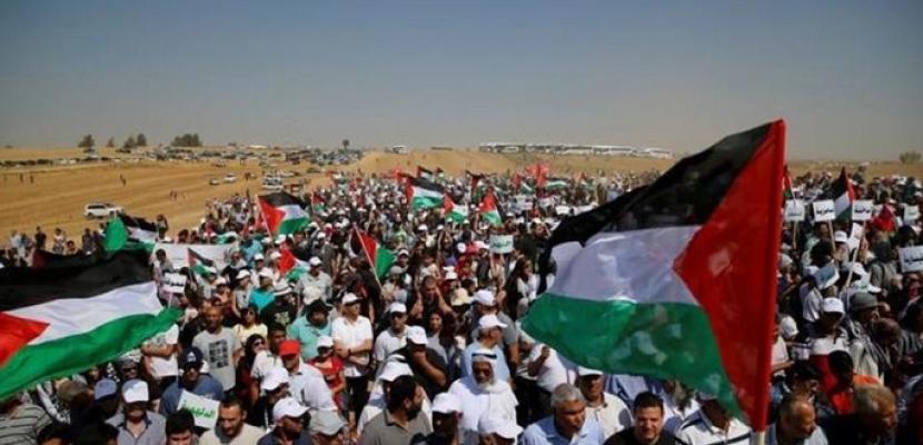 """مسيرات العودة تتواصل في غزة تحت شعار """"جمعة الحرية والحياة"""""""