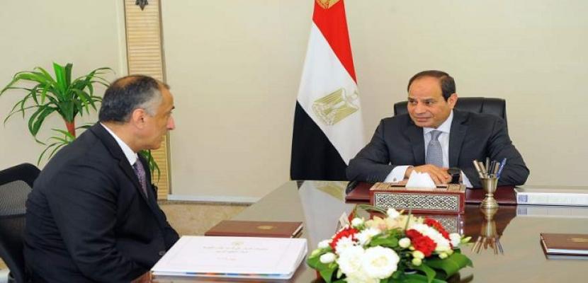الرئيس السيسي يجتمع بمحافظ البنك المركزي ويؤكد أهمية الحفاظ على الاستقرار النقدي
