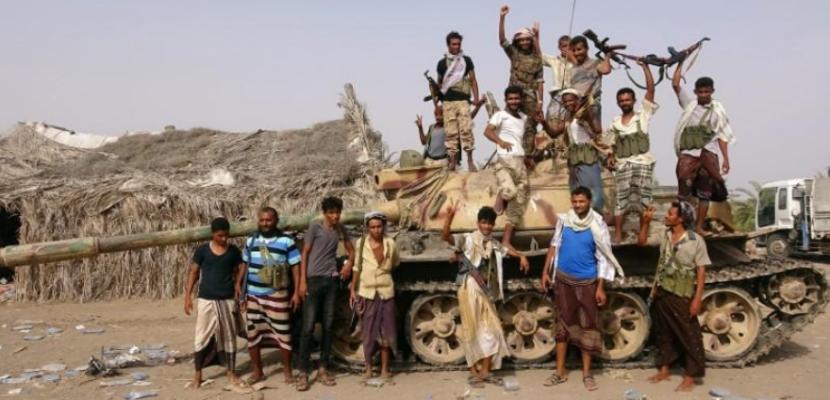 التحالف العربي يواصل قصف الحوثيين حول مطار الحديدة ويدعوهم للانسحاب