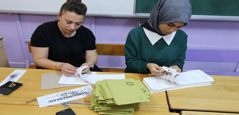 حزب العدالة والتنمية التركي يقدم طلبا لإعادة الانتخابات في اسطنبول