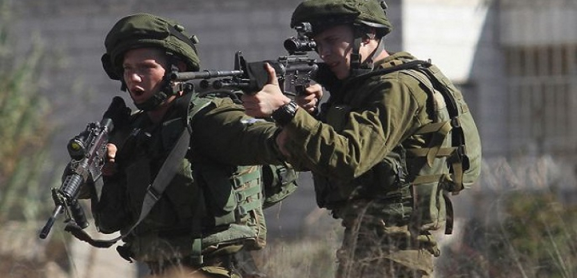 إصابة شاب فلسطيني برصاص الاحتلال وإغلاق متاجر في عزون شرق قلقيلية