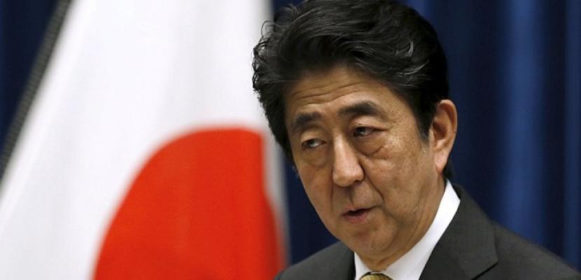 رئيس وزراء اليابان يزور المناطق المتضررة من السيول غربي البلاد