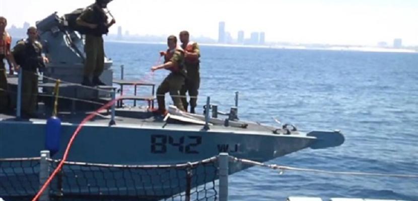 """البحرية الإسرائيلية تستولي على """"سفينة الحرية"""" التي أبحرت من أوروبا إلى غزة لكسر الحصار"""