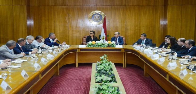 وزيرا الاستثمار والتجارة يبحثان مع مجلس الاعمال المصري الصينى جذب استثمارات جديدة