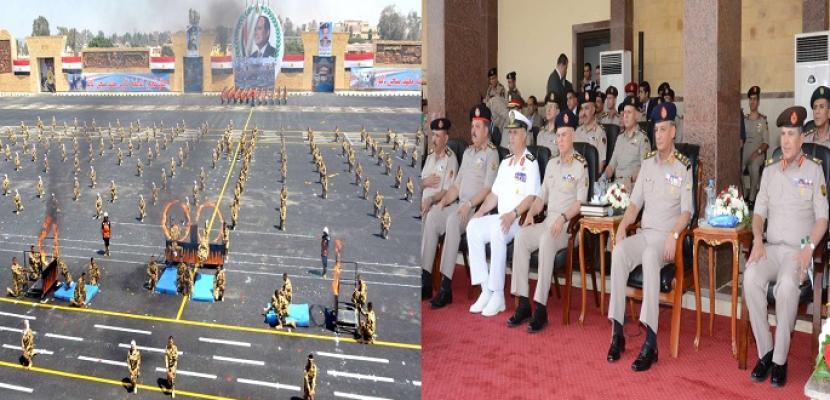 بالفيديو و الصور .. وزير الدفاع يشهد الاحتفال بتخريج دفعات جديدة من المعاهد الصحية