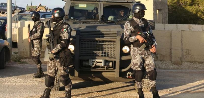 انتهاء العملية الأمنية في السلط.. ورئيس الوزراء الأردني يؤكد أنه لا تهاون في محاربة الإرهاب