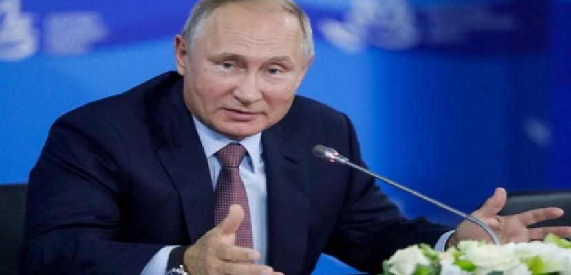 بوتين: لم ولن نوافق على أسباب طرد الدبلوماسيين الروس من اليونان