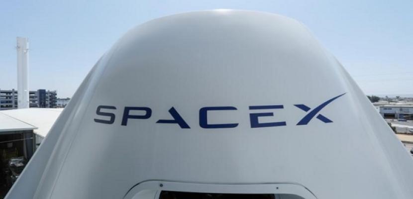 سبيس إكس توقع عقدا مع أول مسافر خاص للدوران حول القمر
