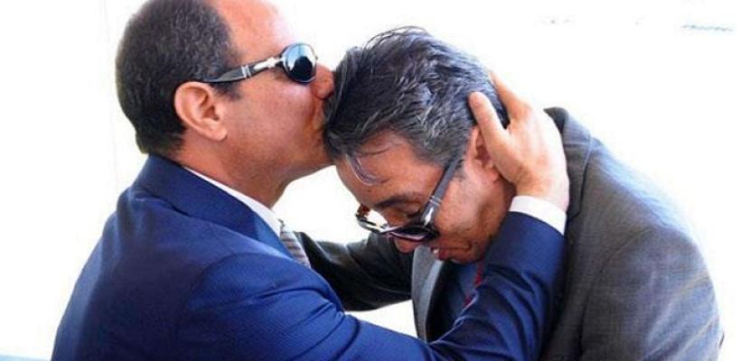 أسرة الشهيد ساطع النعماني تتسلم جثمانه عقب وصوله إلى مطار القاهرة