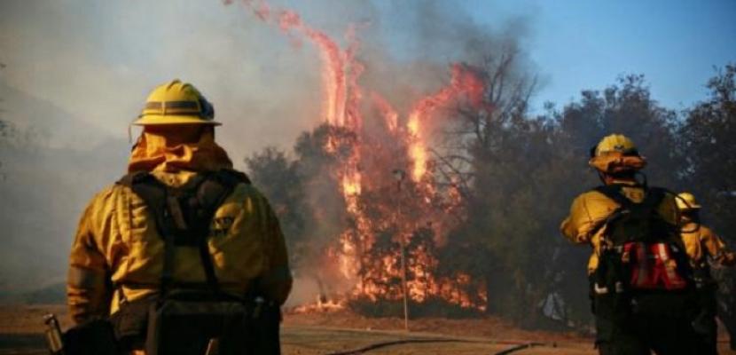 سلطات كاليفورنيا تصدر أوامر بإخراج السكان من منازلهم عقب اندلاع حريق جنوب الولاية