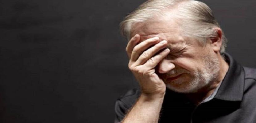 النوم لساعات طويلة نهارا إشارة مبكرة على الإصابة بالألزهايمر