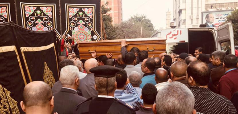 """جثمان الكاتب الكبير إبراهيم سعدة يغادر """"أخبار اليوم"""" للصلاة عليه بمسجد عمر مكرم"""