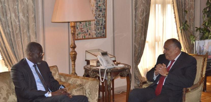 وزير النقل يلتقي نائب وزارة النقل القبرصي لبحث التعاون في قطاع النقل البحري
