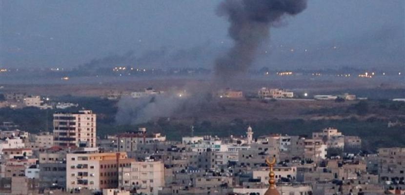 استشهاد فلسطيني وإصابة اثنين آخرين جراء قصف إسرائيلي جنوب غزة