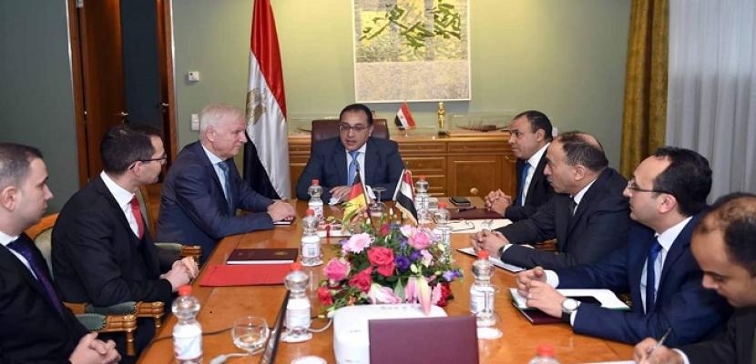 بالصور.. رئيس الوزراء يلتقى نائب رئيس البرلمان المحلي لولاية براندنبورج الألمانية