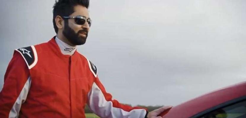 سائق أعمى يصنع التاريخ في سباق للسيارات ببريطانيا