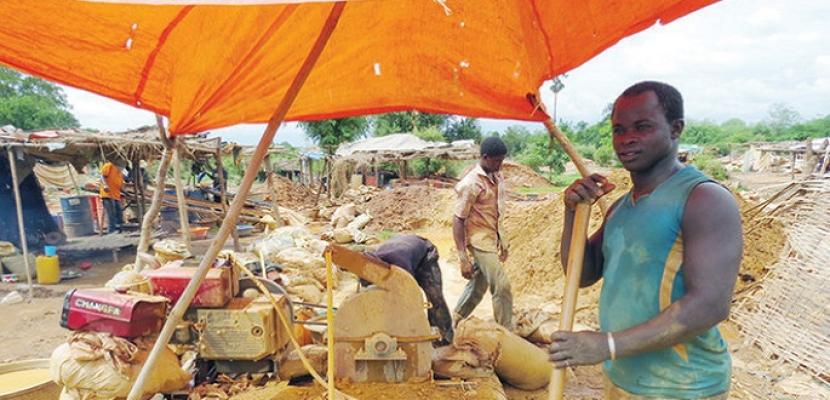 انتشال جثامين خمسة عمال إثر انهيار منجم ذهب في ليبيريا