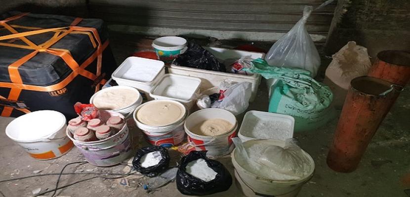 بالصور .. ضبط مخزن مواد متفجرة داخل منزل إرهابى الدرب الأحمر