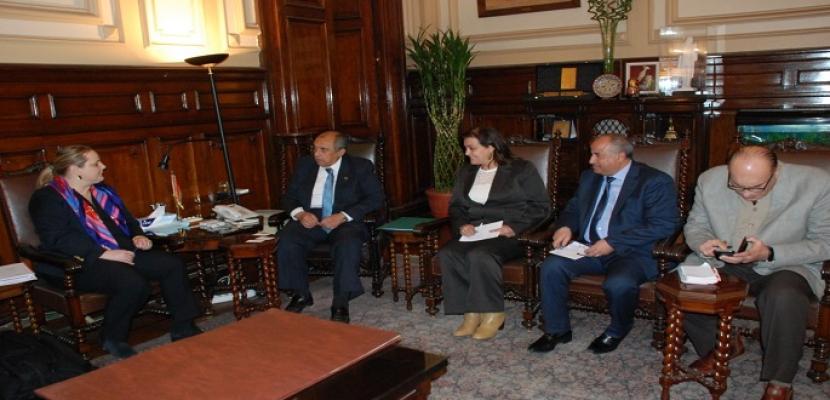 وزير الزراعة يعرض لوفد من البنك الدولي التجربة المصرية في تطهير البحيرات