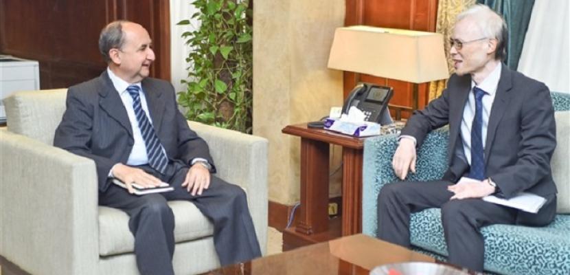 وزير الصناعة يبحث مع سفير اليابان الإعداد لزيارة وفد من كبريات الشركات اليابانية