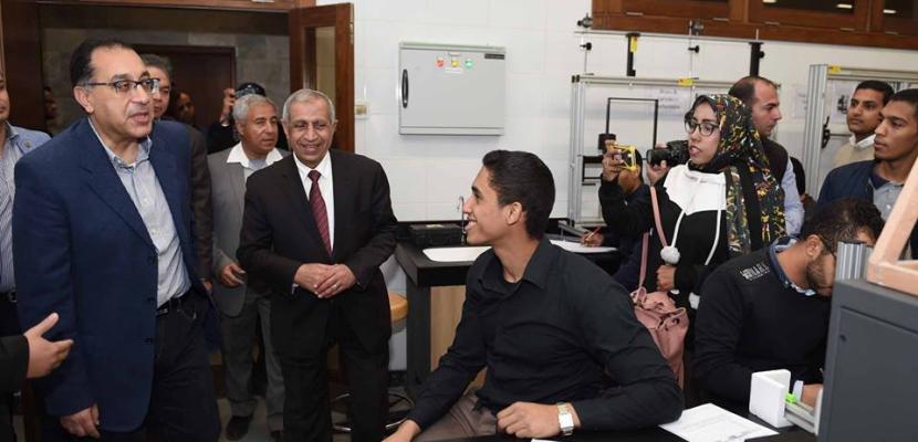 مدبولي يزور فرع الأكاديمية العربية للعلوم والتكنولوجيا والنقل البحري بأسوان