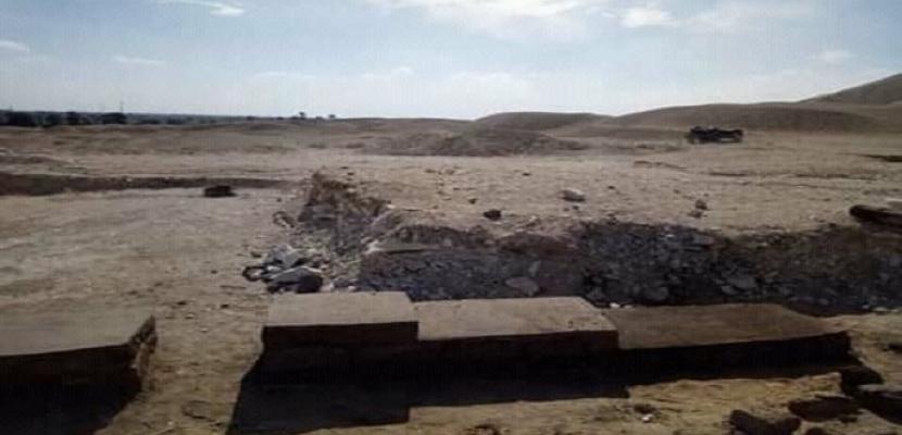بالصور.. الآثار: استئناف أعمال الحفائر في منطقة هرم ميدوم ببني سويف