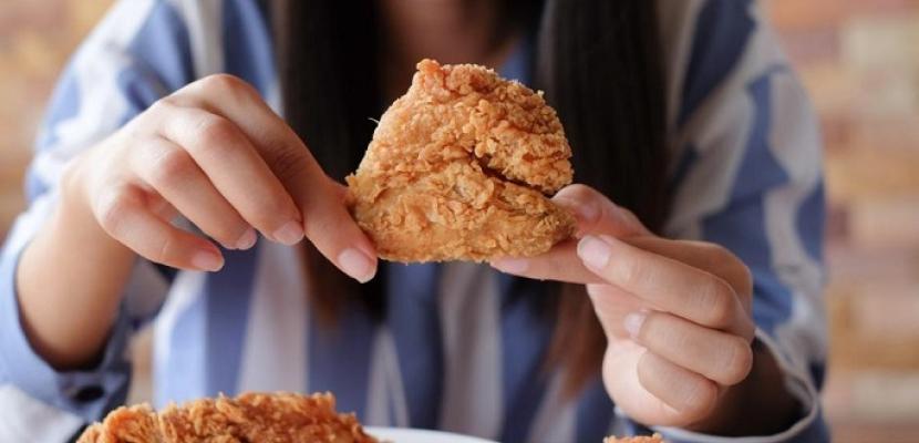 دراسة: تناول الأطعمة المقلية مرتبط بارتفاع احتمالات الوفاة المبكرة